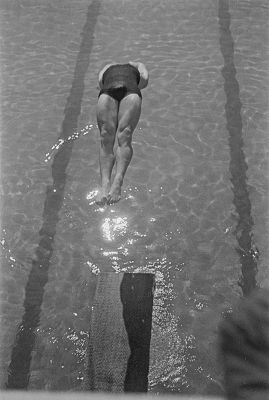 Plongeon  2, Piscine Molitor, vers 1930 © Gaston Paris / Roger-Viollet